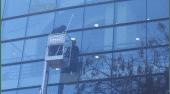 Elevadores para limpieza de ventanales